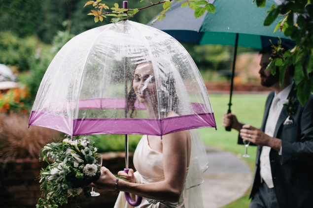 Staffordshire wedding photographers how to deal with wet weather at your wedding_0008