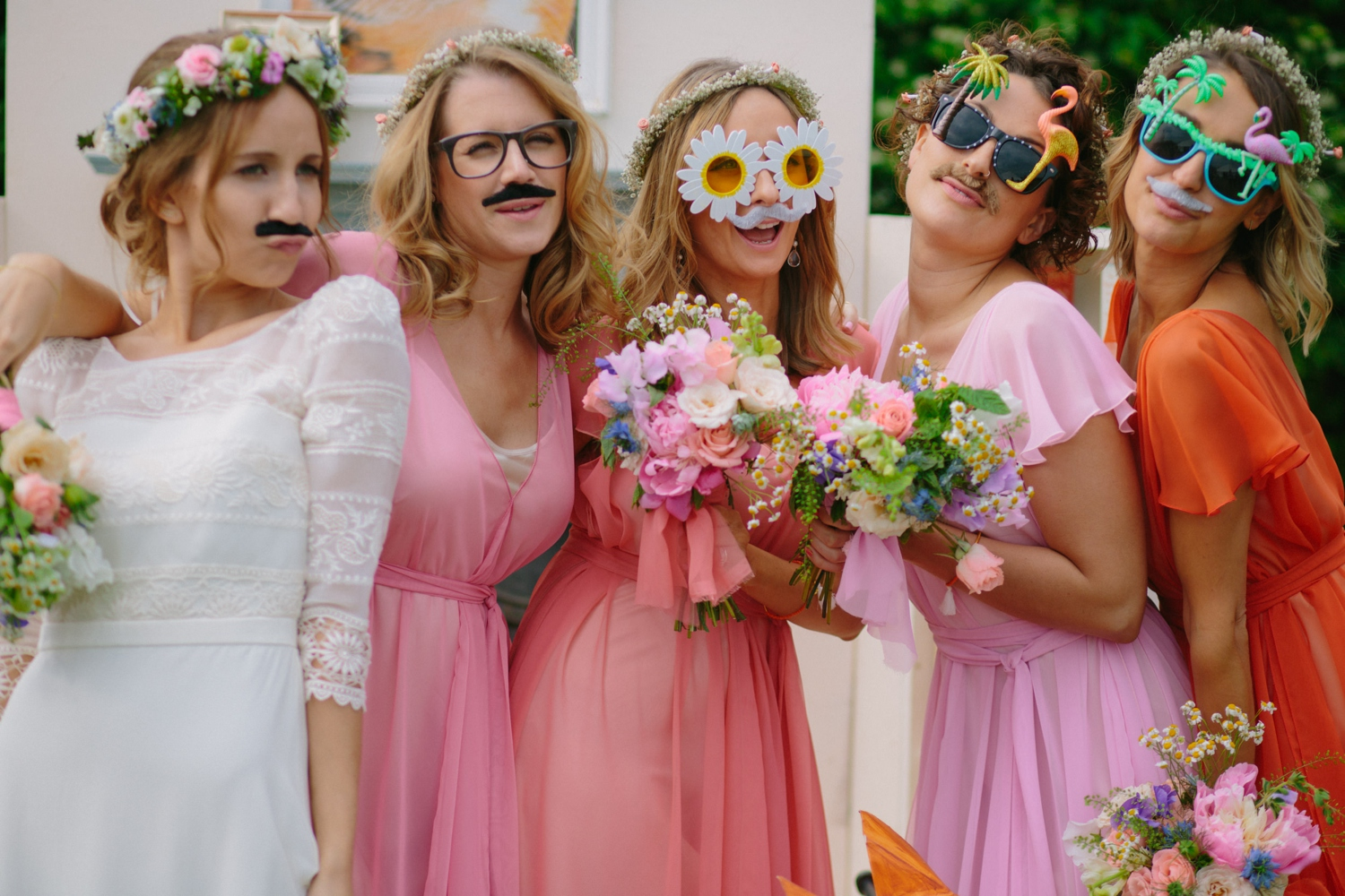 bridesmaids photo booth at old oak farm
