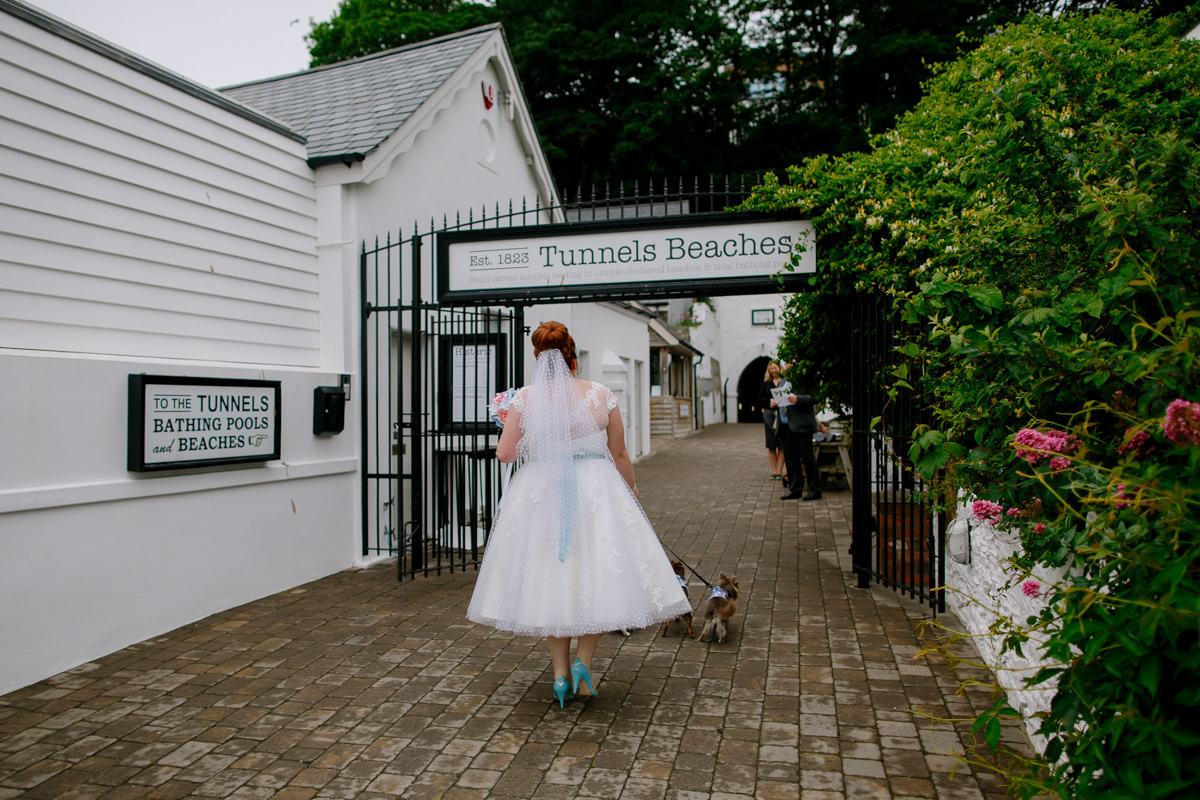 tunnels-beaches-wedding-02