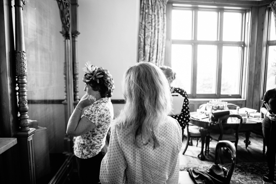 Mother of the bride final details at Huntsham court