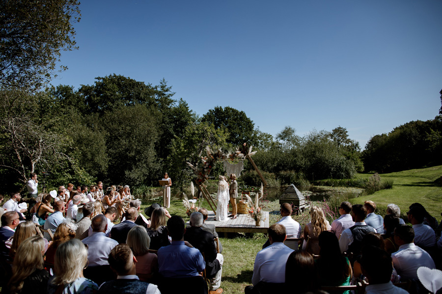 Anran devon wedding in the summer sun 02