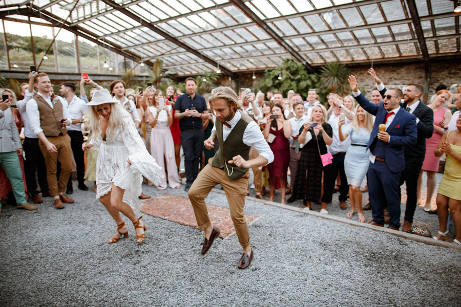 bride and groom dancing at anran wedding venue